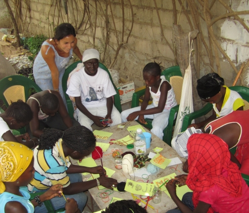 Crafting with the Keur Cheikh Girls Club in Diourbel